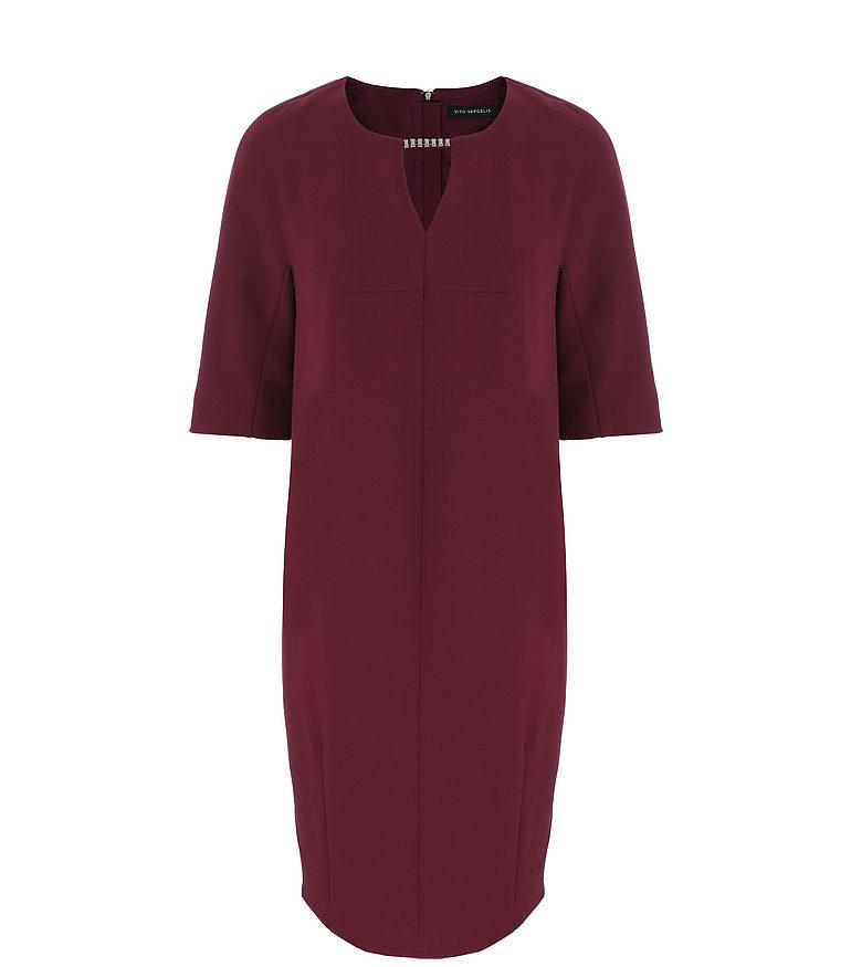 Bordowa sukienka z aplikacją