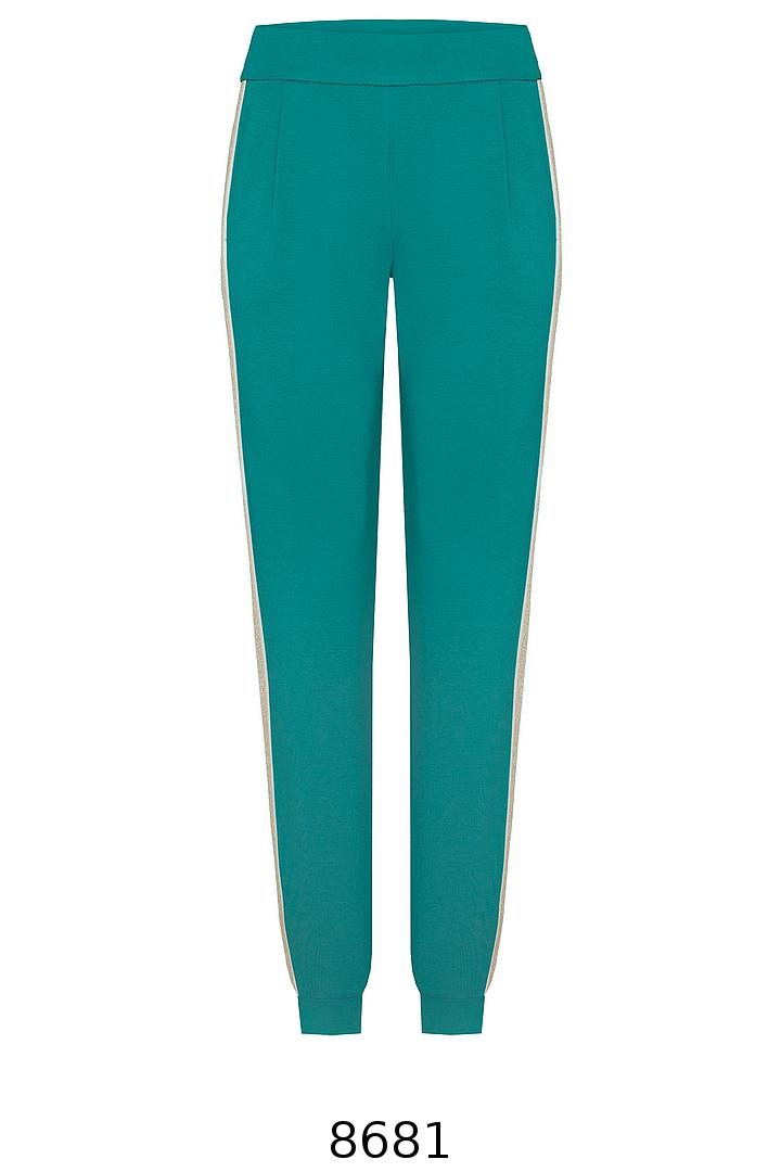 Zielone spodnie dresowe z lampasami. Spodnie dzianinowe Vito Vergelis.