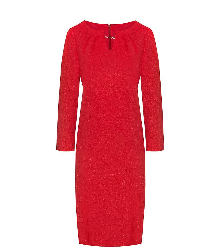 Czerwona sukienka z ozdobnym detalem