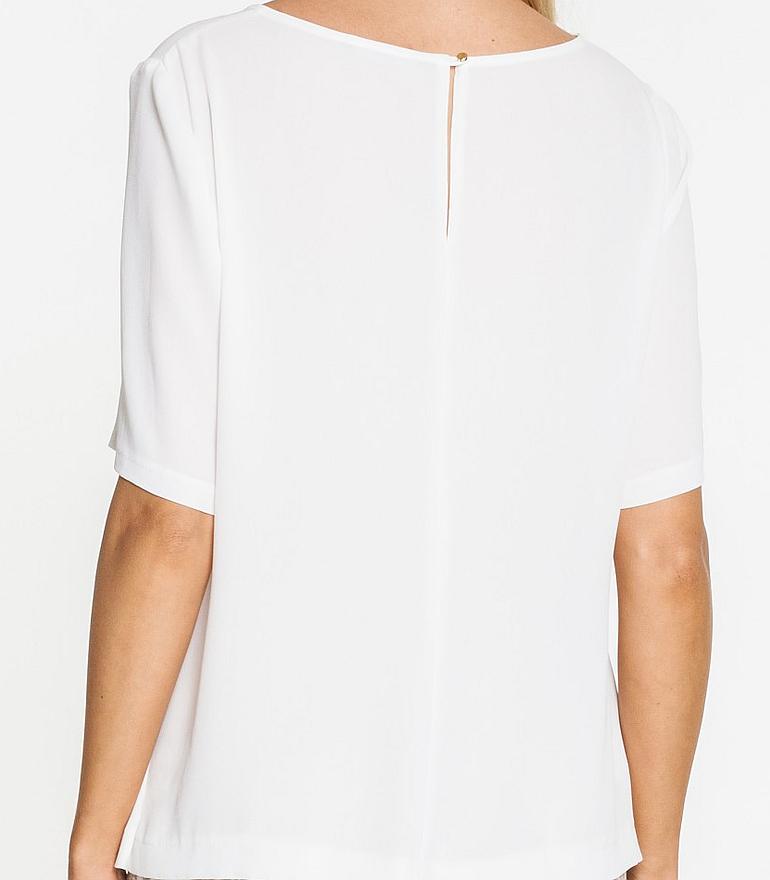 Biała bluzka z prześwitującą wstawką marki Vito Vergelis