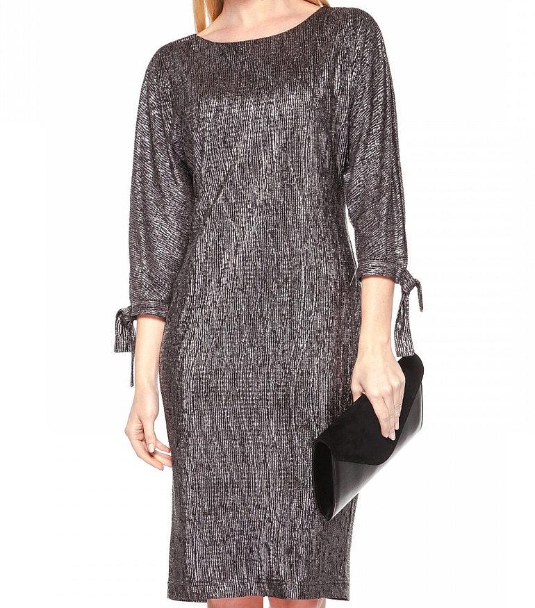 srebrna sukienka z rozcięciami na rękawach