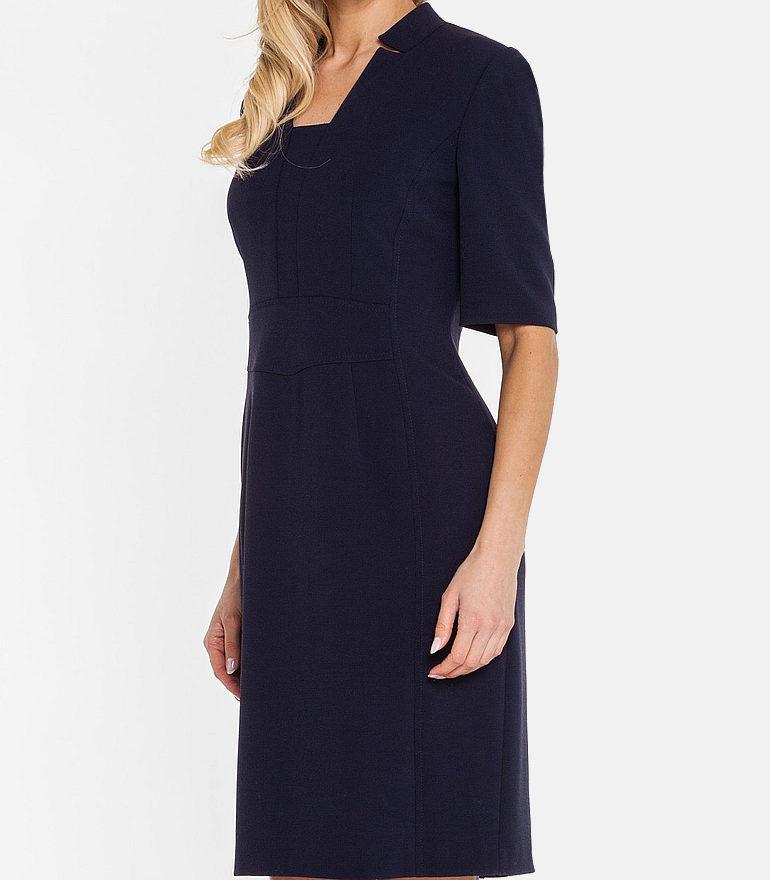 Granatowa sukienka z wycięciami