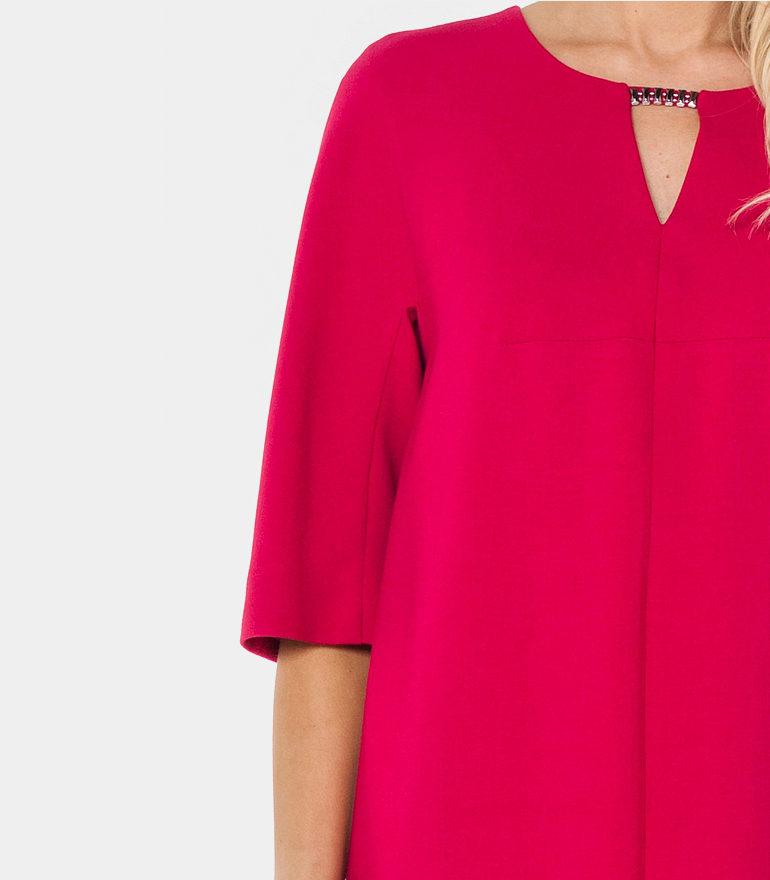 czerwona sukienka oversize