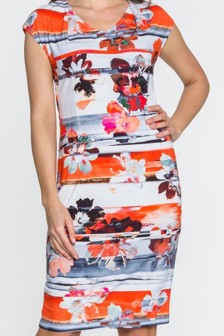 Pomarańczowa sukienka dzianinowa w kwiaty