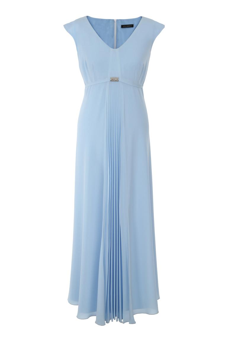 Długa sukienka z plisowaniem