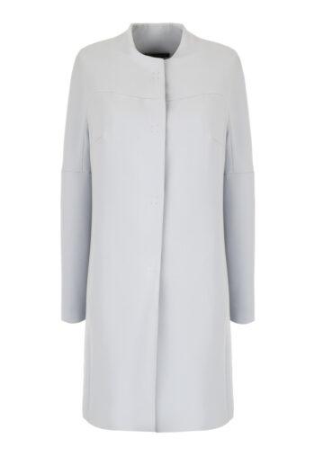 Klasyczny, błękitny płaszcz na wiosnę marki Vito Vergelis