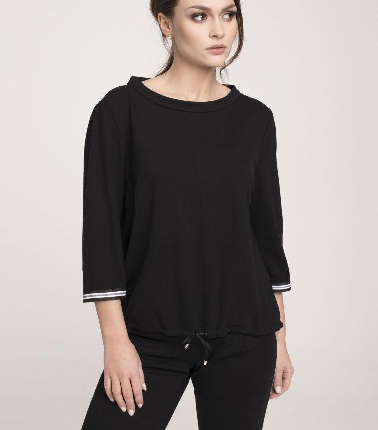 Czarna bluzka ze stójką