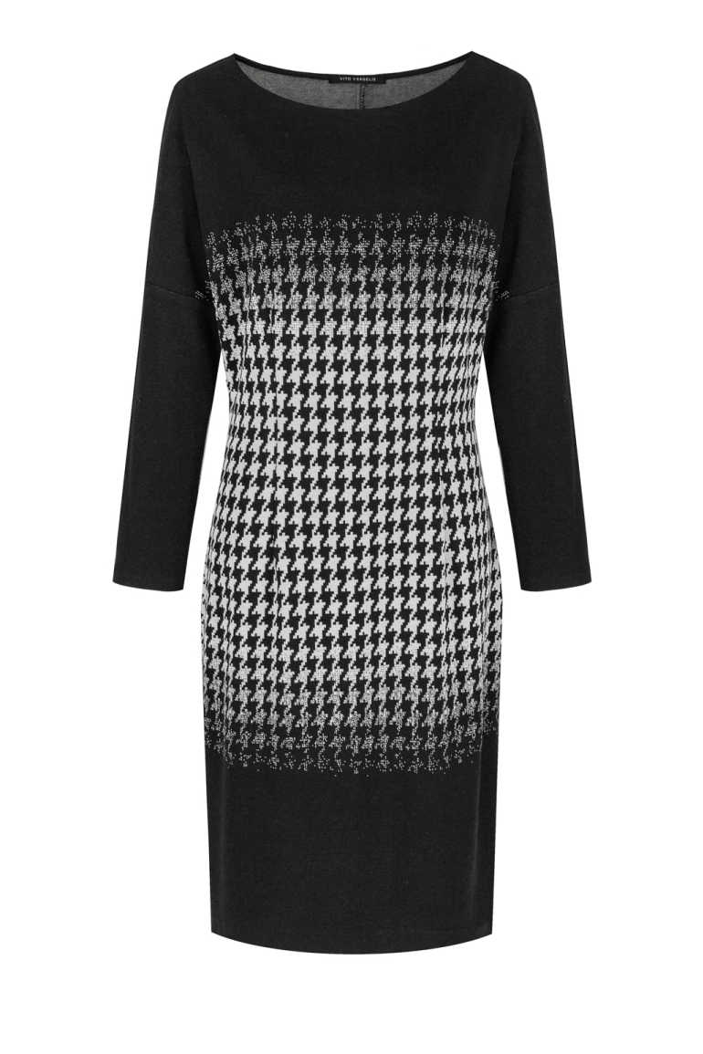 Czarna dzianinowa sukienka w pepitkę