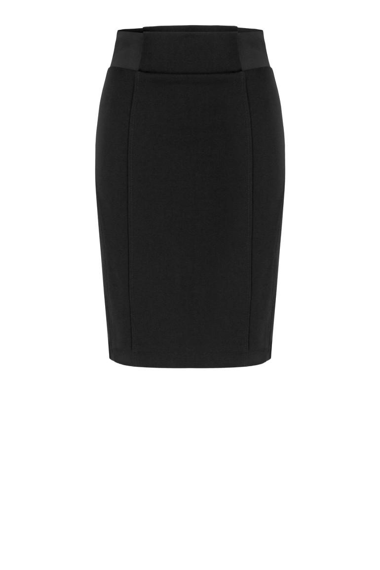 Czarna spódnica dzianinowa z gumą w pasie