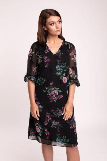 czarna sukienka w kwiaty z falbanami przy rękawach. Sukienka wizytowa polskiej marki Vito Vergelis