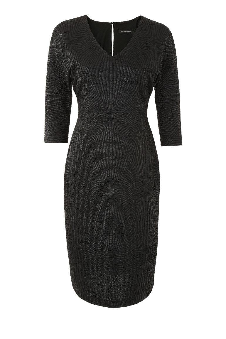 Czarna sukienka z kimonowym rękawem