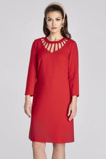 Linia wizytowa. Czerwona sukienka Vito Vergelis z oryginalnym dekoltem