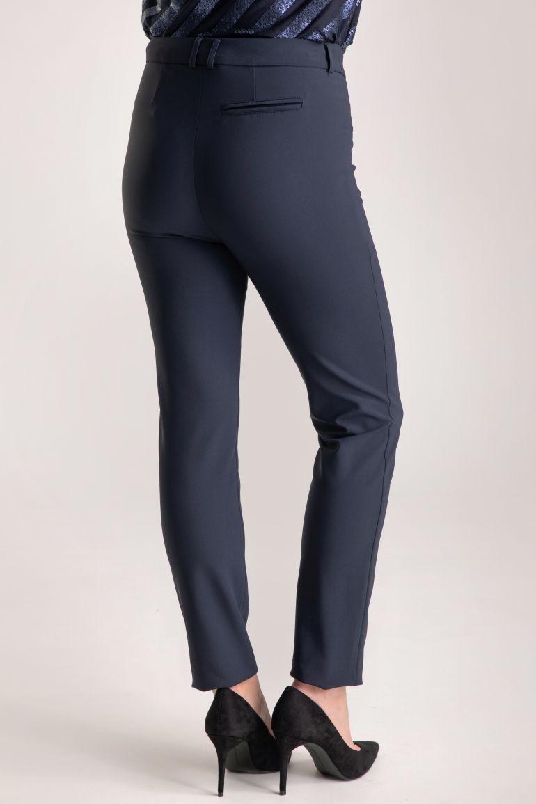 Granatowe spodnie polskiej marki Vito Vergelis