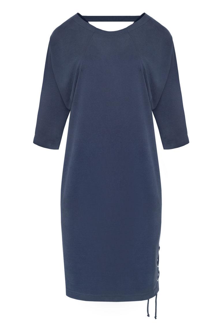 Granatowa sukienka z wycięciem na plecach