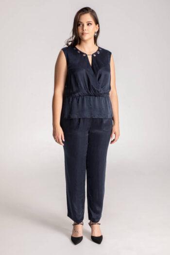 wizytowa bluzka damska z cupro z ozdobnym dekoltem polskiej marki Vito Vergelis