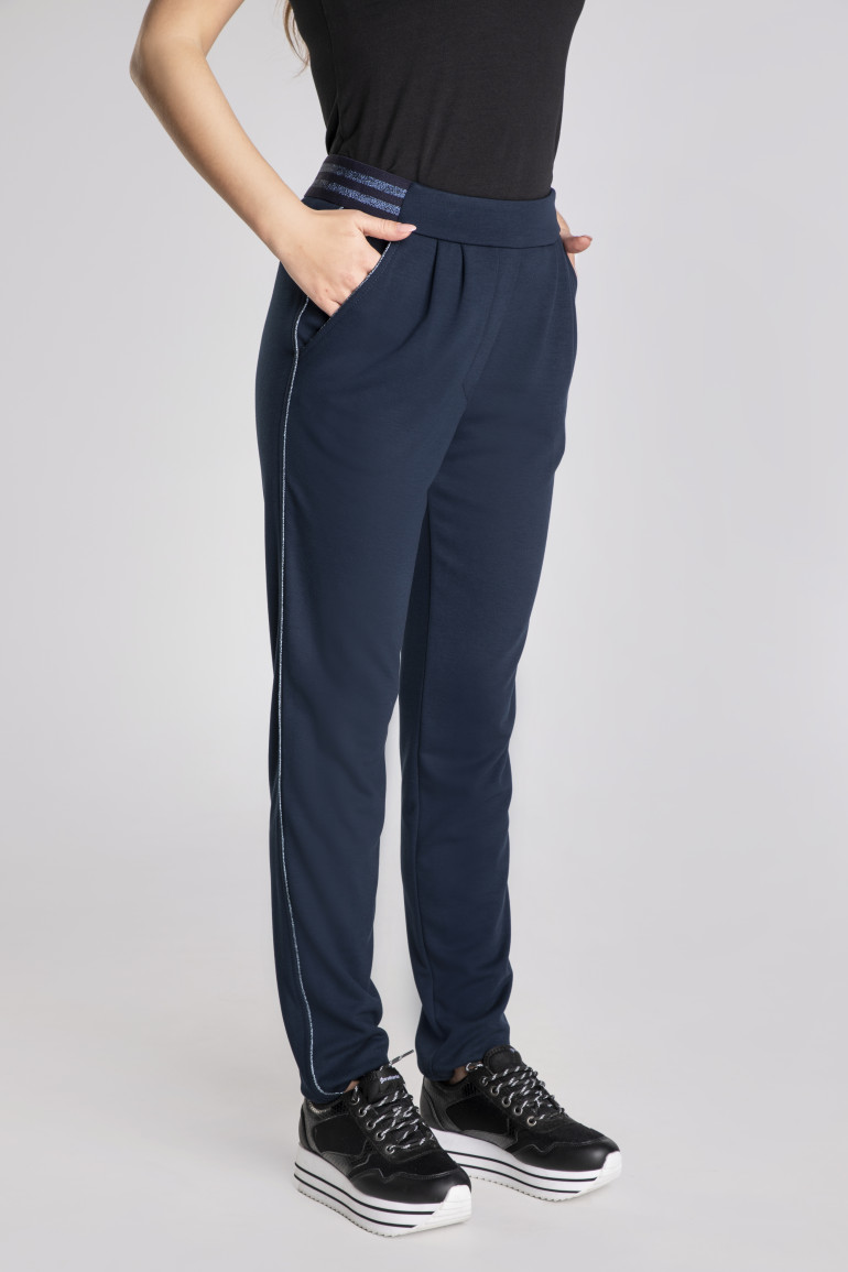 Granatowe spodnie z bizą