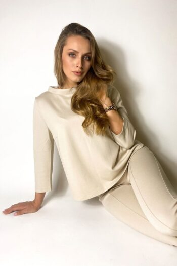Jasna beżowa bluza damska ze stójką marki Vito Vergelis