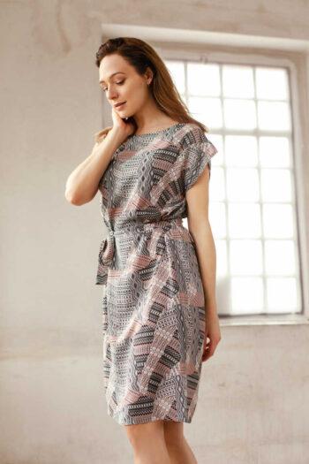 Letnia sukienka z wiskozy pastelowa polska marka Vito Vergelis