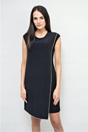 Elegancka mała czarna sukienka wizytowa Vito Vergelis bez rękawów z asymerycznym przodem ozdobionym dekoracyjną taśmą