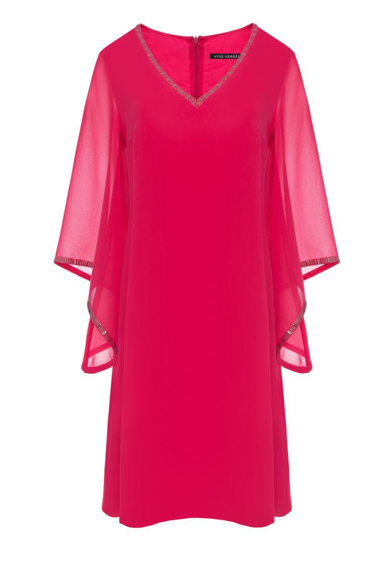 Malinowa szyfonowa sukienka z aplikacją