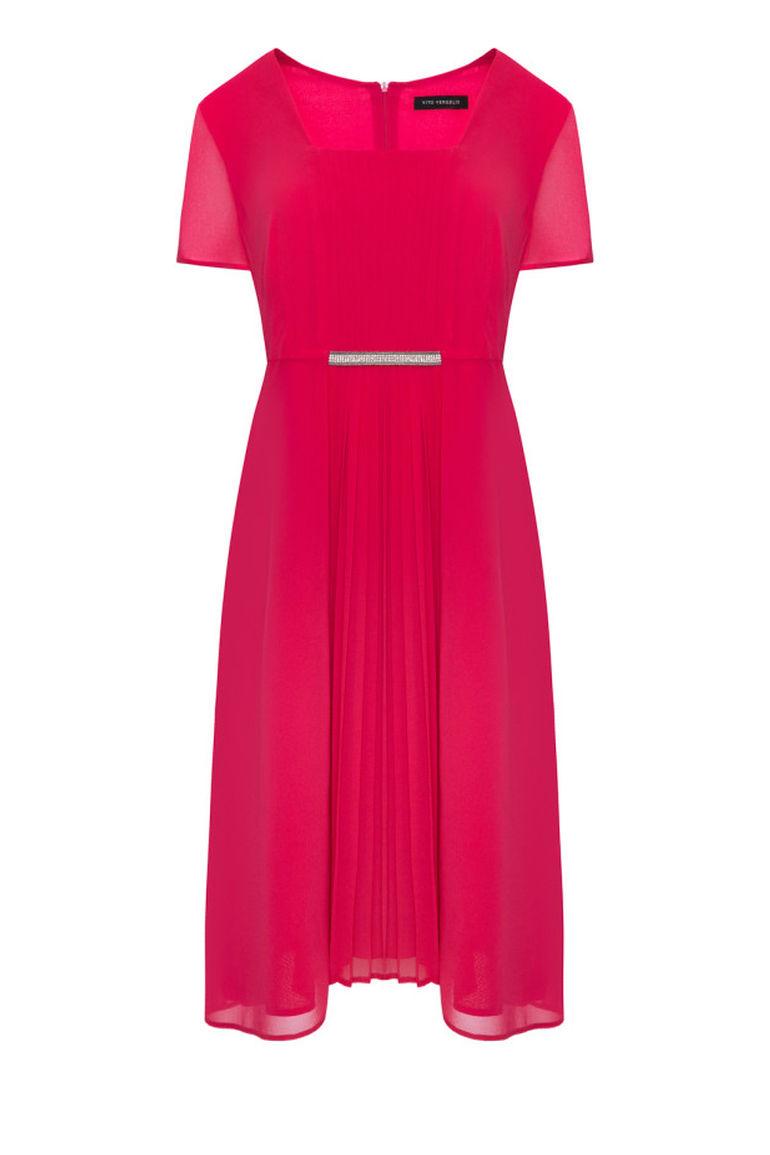 Malinowa sukienka z plisowaniem