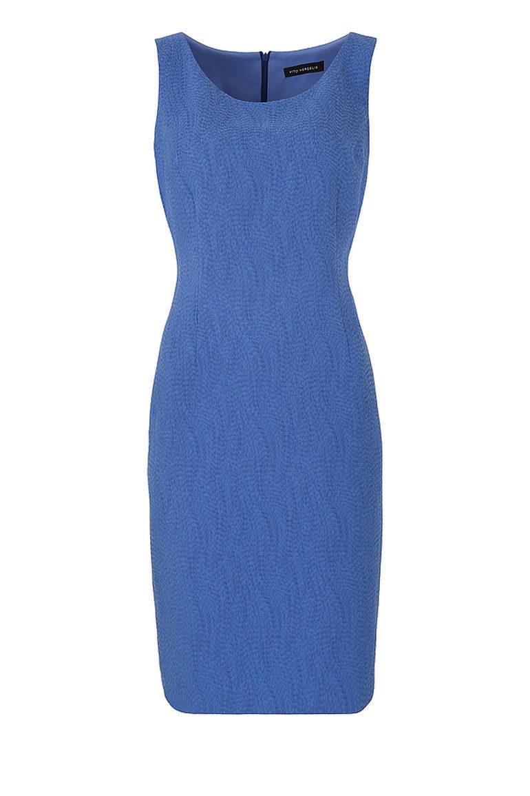 Niebieska sukienka ołówkowa