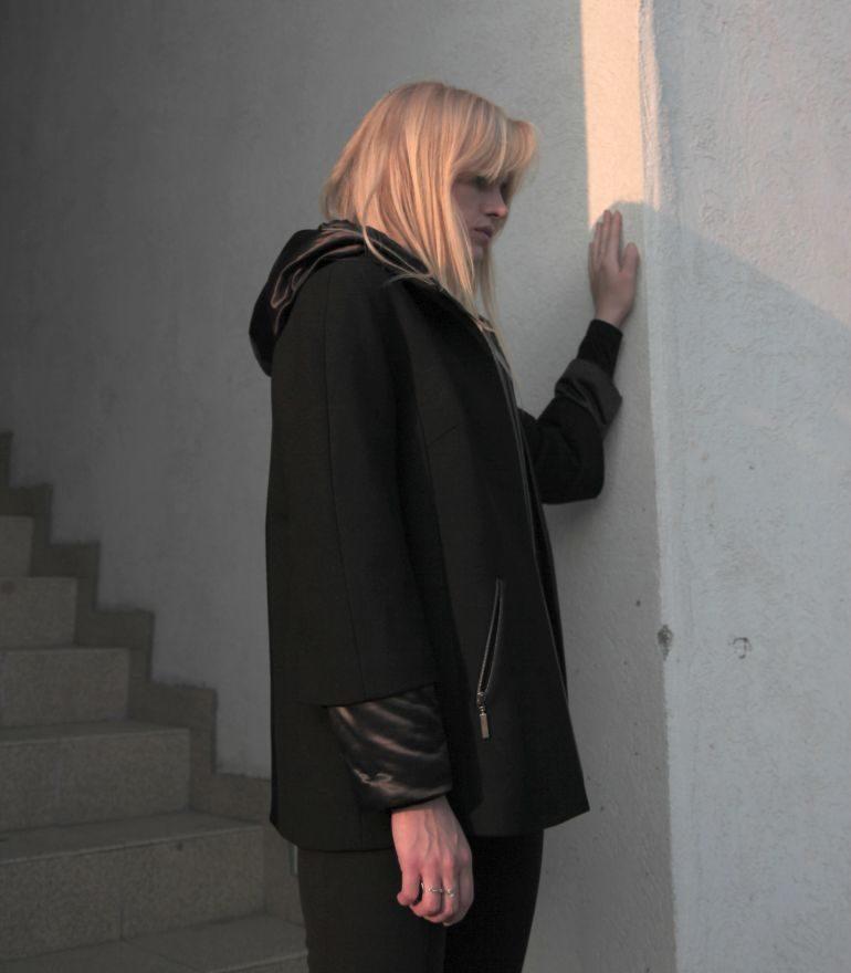 Czarna kurtka dwuczęściowa
