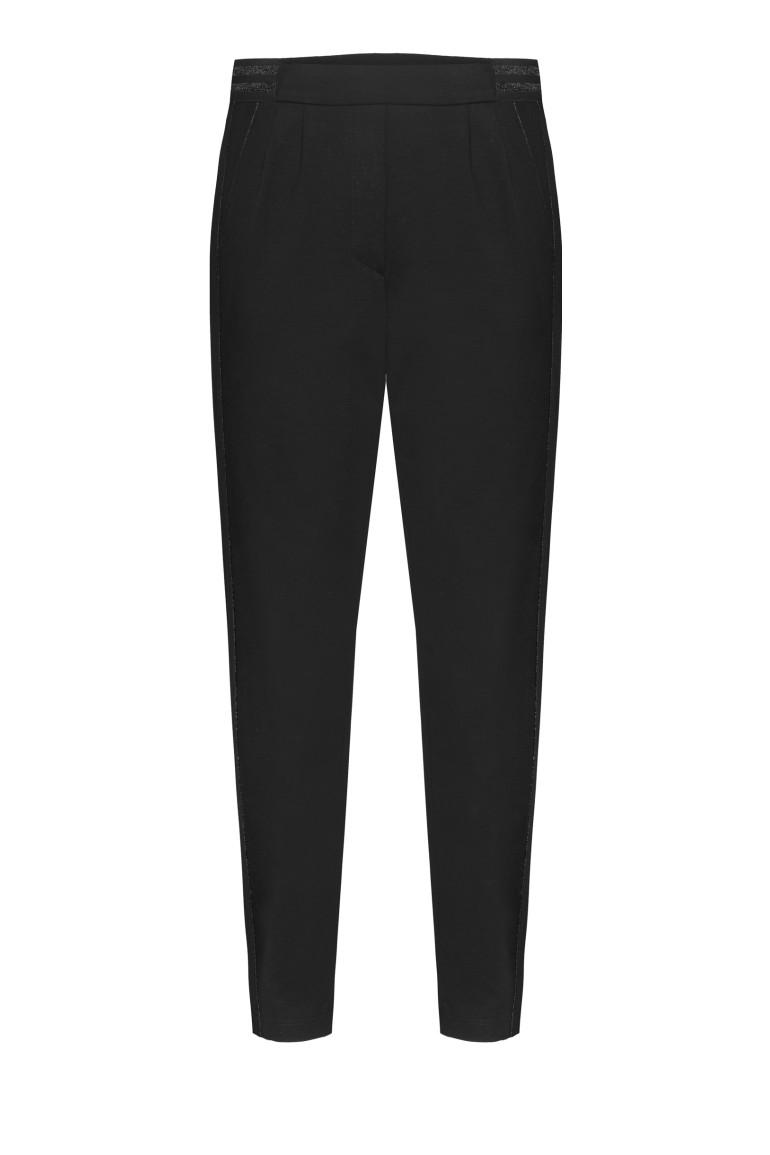 Czarne spodnie z bizą