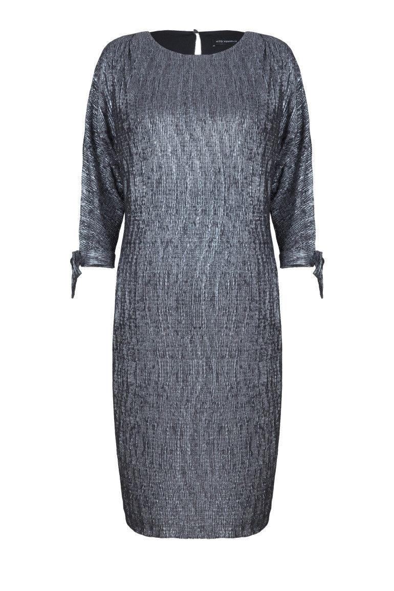 Srebrna sukienka z rozcięciami