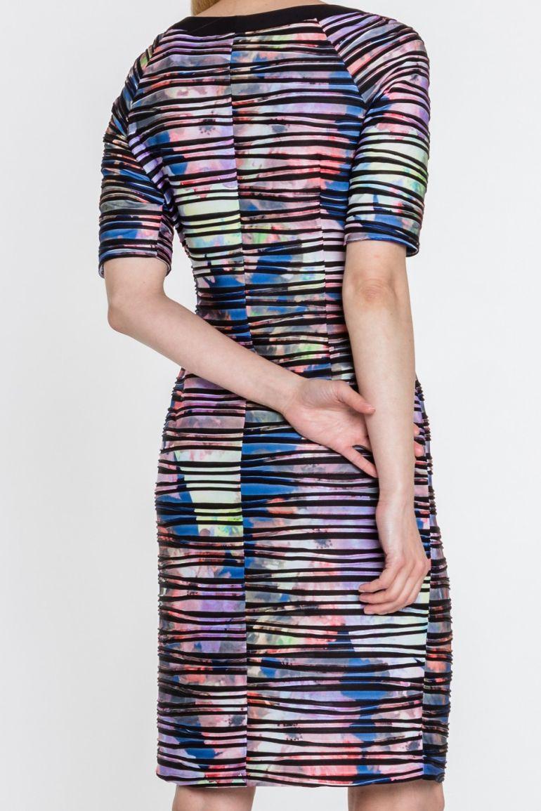 Kolorowa sukienka w paski