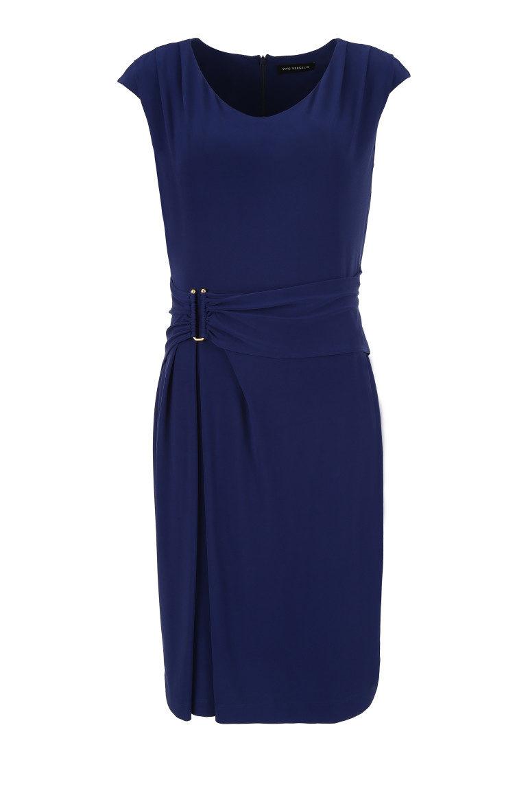 Niebieska sukienka z paskiem