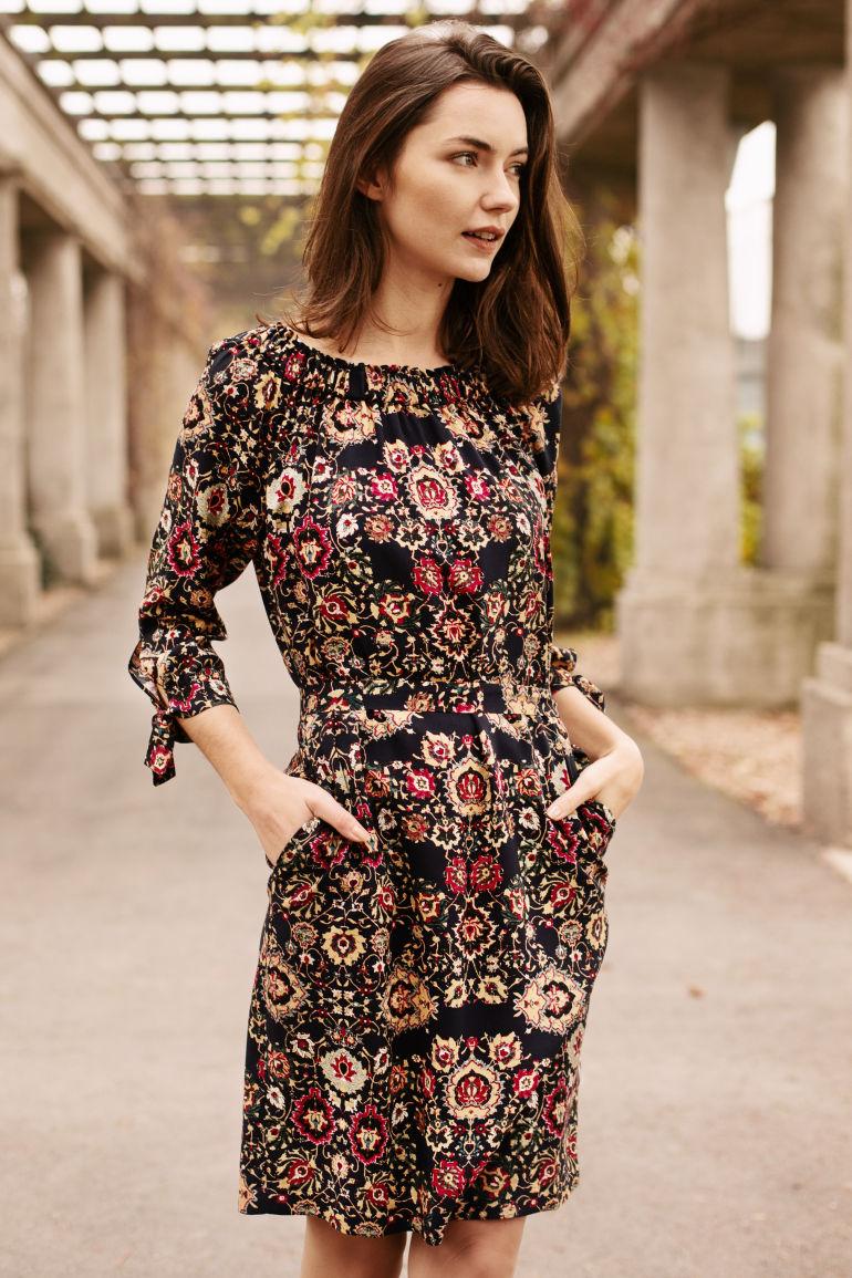 Sukienka hiszpanka z wiskozy marki Vito Vergelis