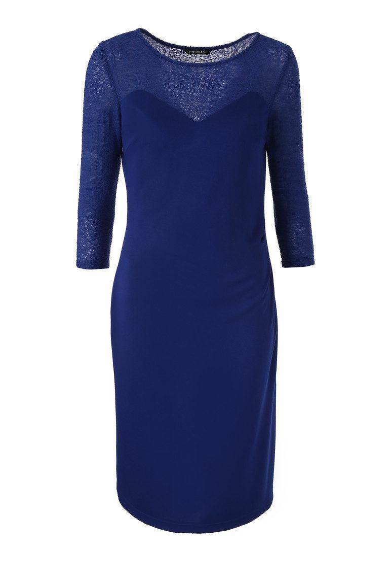 Niebieska sukienka z długim rękawem