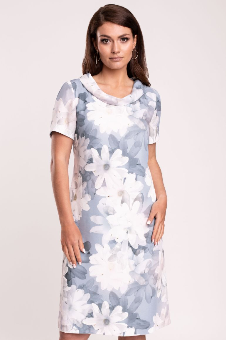 Sukienka w białe kwiatki