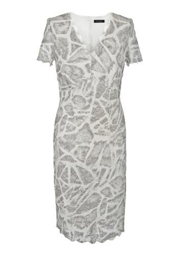 Wizytowa sukienka z rozciągliwej koronki w srebrny nadruk marki Vito Vergelis.