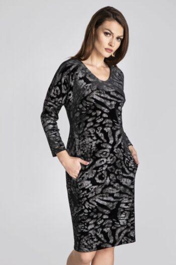 Linia wizytowa. Wzorzysta sukienka z weluru z długim rękawem marki Vito Vergelis