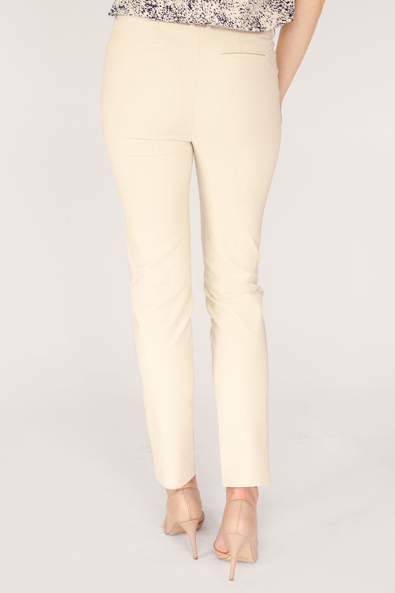 jasne spodnie damskie z elastanem polska marka Vito Vergelis