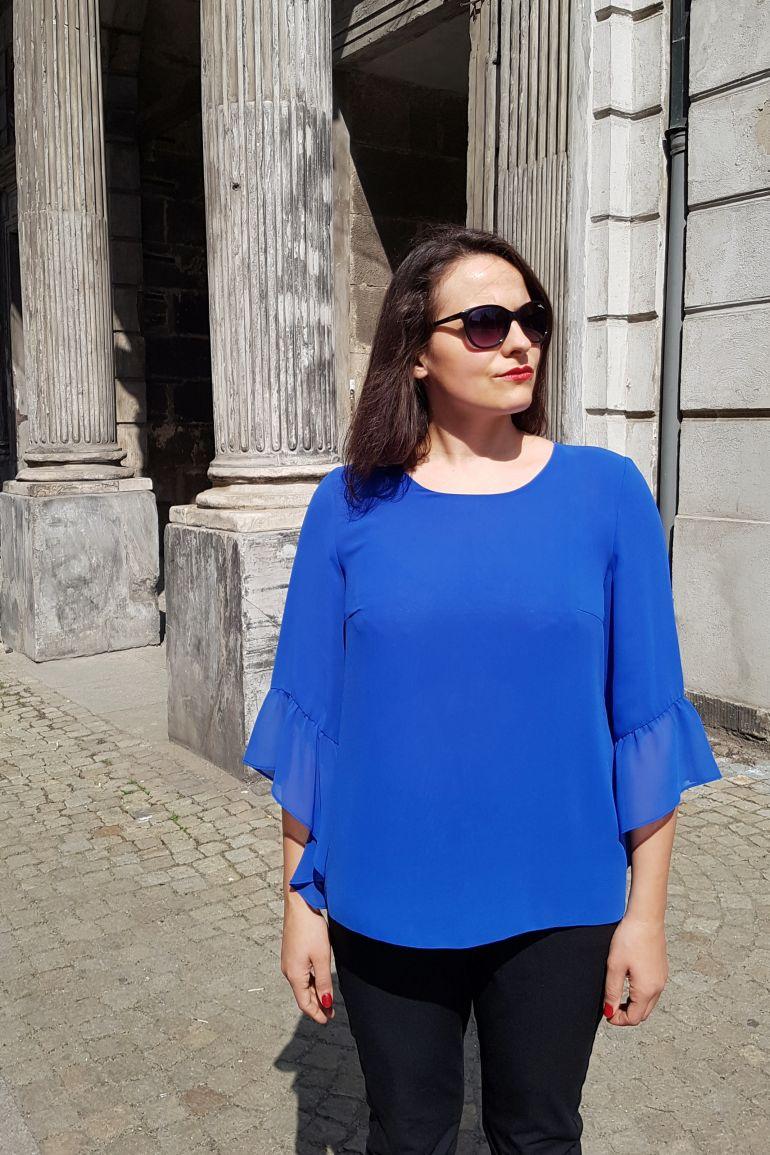 Kobaltowa bluzka z szyfonu